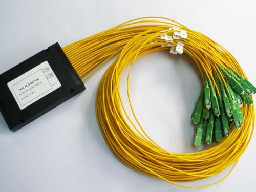 Custom SC / APC 1*32 Fiber Optic Plc Splitter 0.5dB Insertion Loss With 3.0mm Cable 1