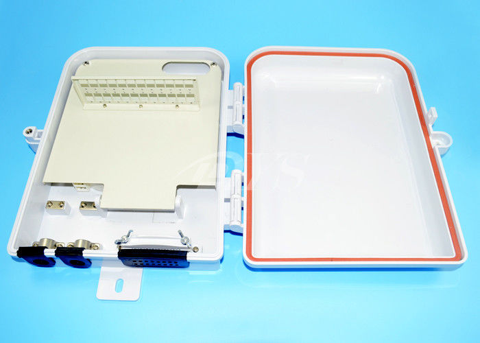 China 6 Ports SC Outdoor Fiber Optic Terminal Box For Wall Mounted supplier